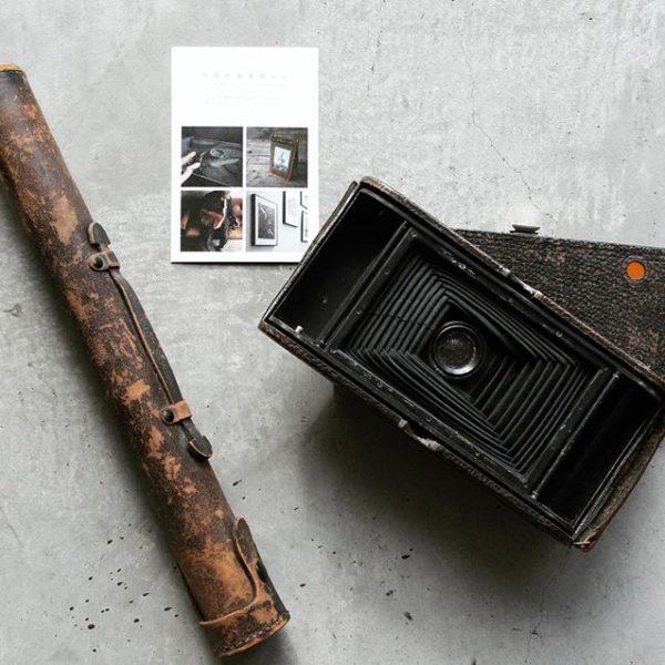 GENERAL SUPPLYに展示している写真に纏わるアンティーク。