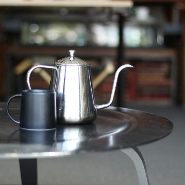 静かなブレイクタイム<br>シンプルな名作コーヒーテーブル