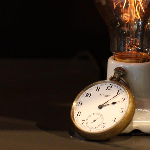 シックなアンティーク<br>懐中時計
