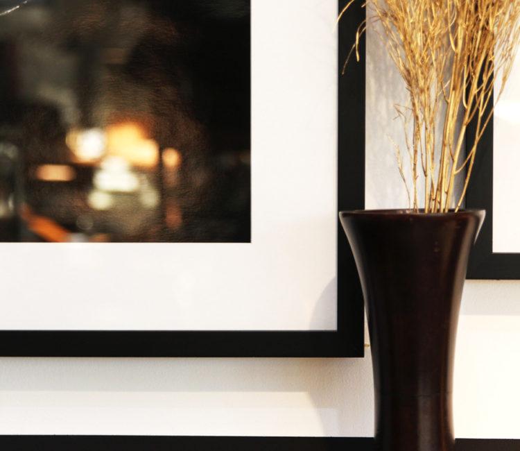 シンプルなアンティーク花器マンゴーウッドベース