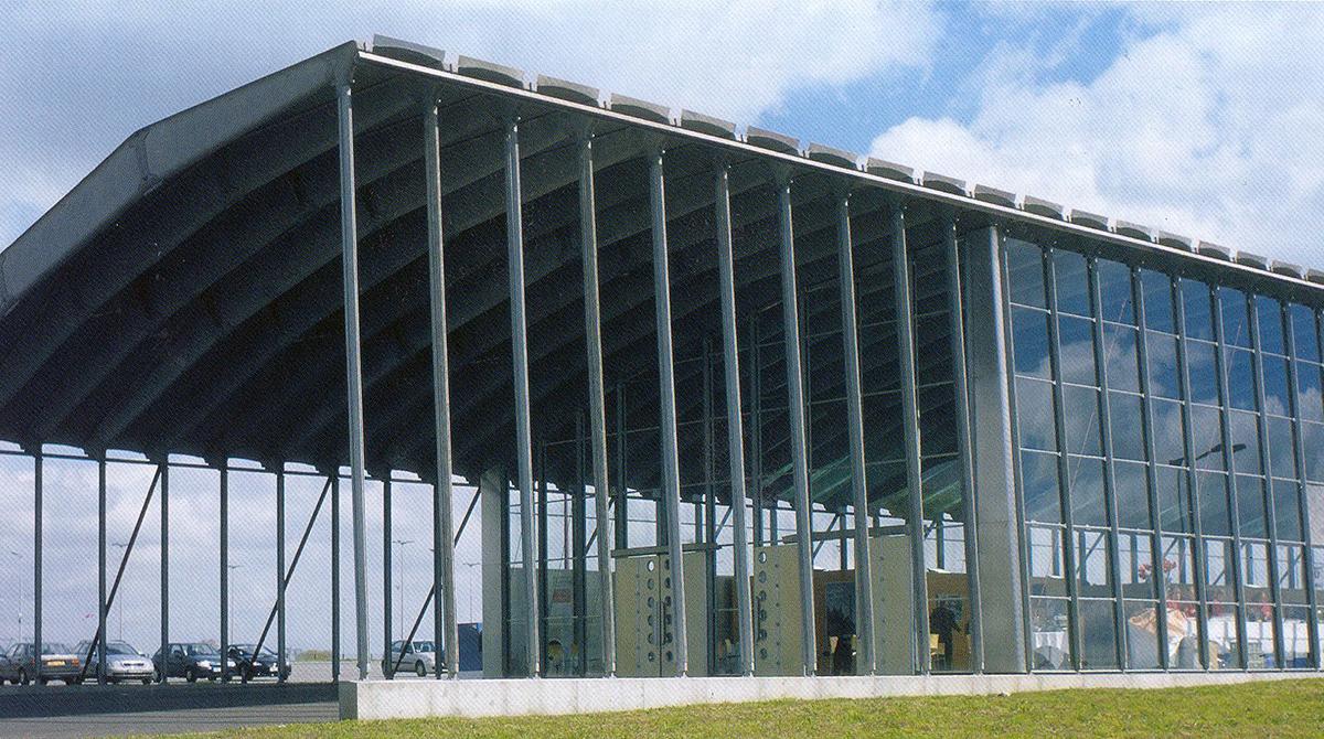 ハイテク建築の祖、ジャン・プルーヴェのデザイン